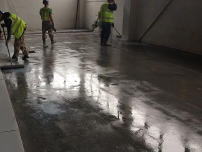 Адгезив для приклейки стяжек и покрытий к бетонному основанию